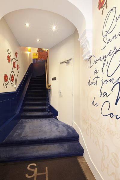 hotel toulouse au centre ville de toulouse l 39 hotel saint sernin. Black Bedroom Furniture Sets. Home Design Ideas